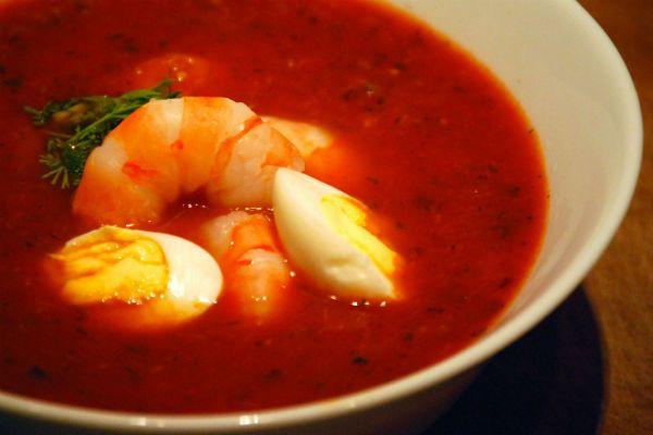 Суп из томатов и морепродуктов фото