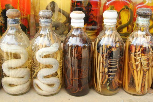 Виски на скорпионах и змеях фото