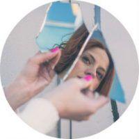 Народная примета разбить зеркало и что при этом делать?