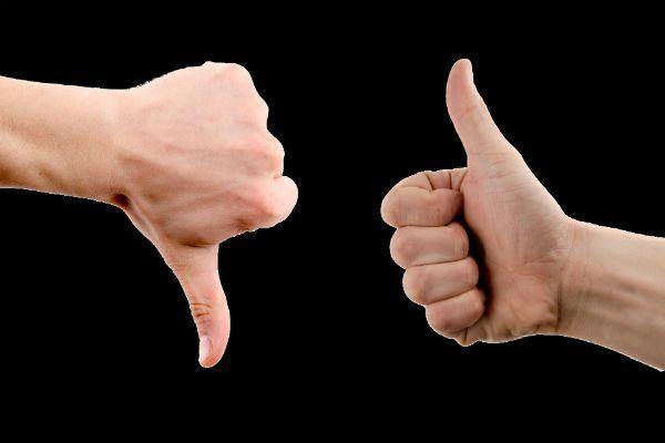 Большой палец вверх и вниз фото