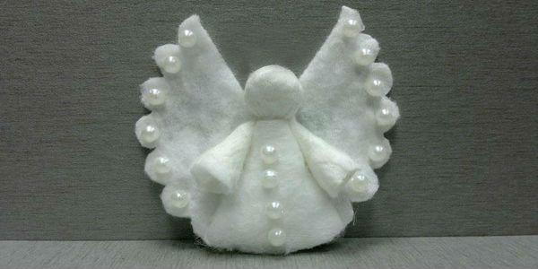 Ангел из ватных дисков фото
