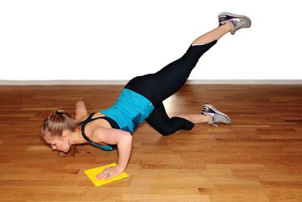 Отжимания с поднятой ногой упражнение 1 фото