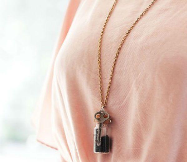 Кулон бутылочка-ключ фото