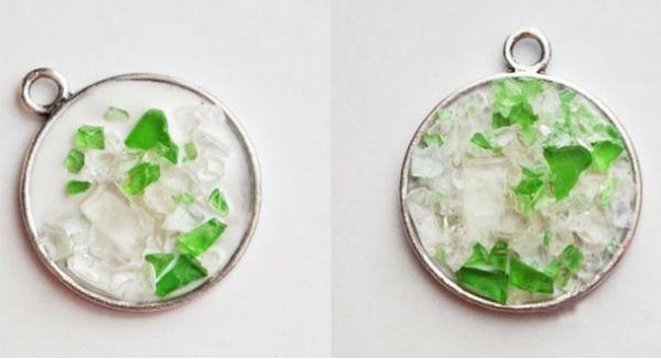 Кулоны из битого стекла 2 фото