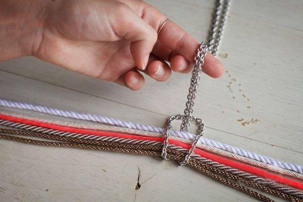 Плетение кулона шаг 2 фото