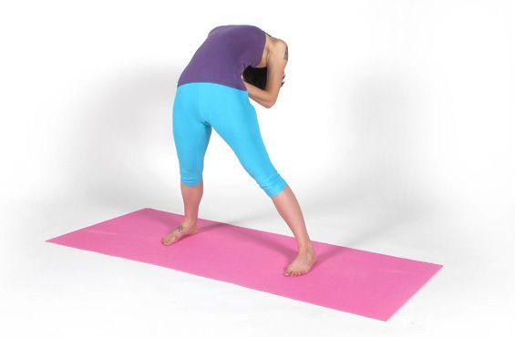 Растяжка на поперечный шпагат упражнение 1 фото