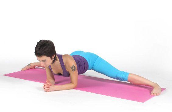 Растяжка на поперечный шпагат упражнение 8 фото