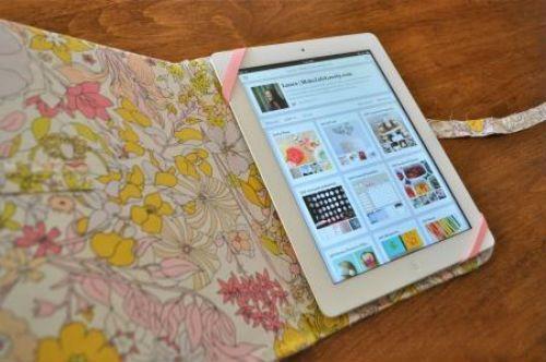 Чехол для планшета из ткани и картона фото