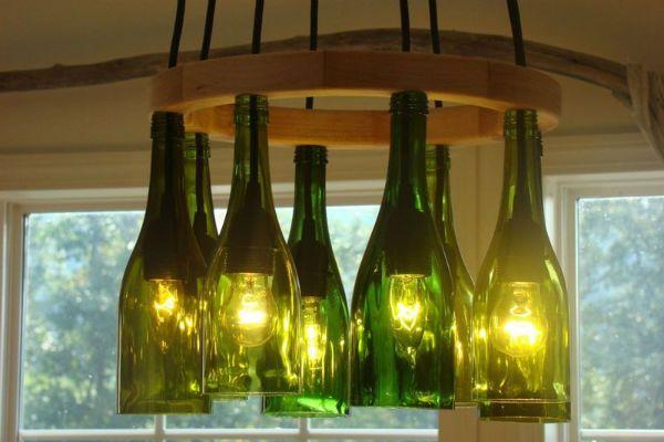 Бра из обрезанных бутылок фото