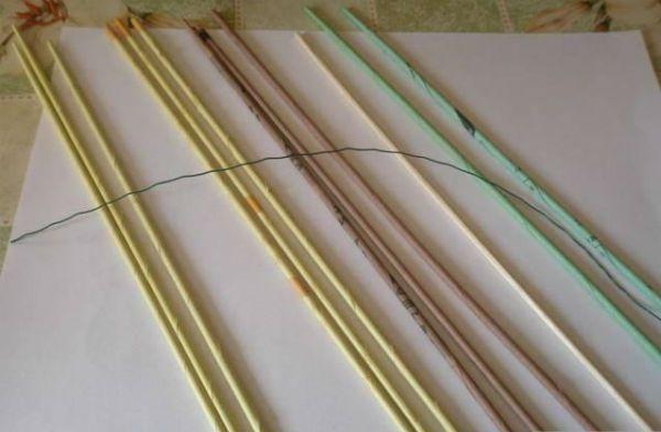Цветы из газетных трубочек шаг 1 фото