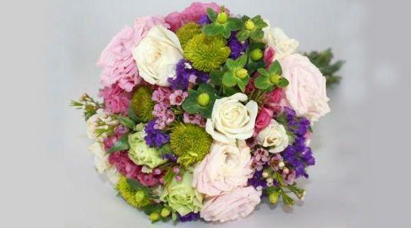 Свадебный букет из полевых цветов фото