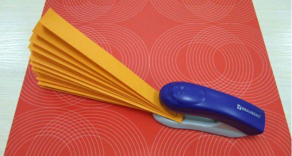 Веер из цветной бумаги детский шаг 2 фото