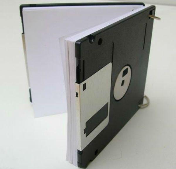 Блокнот из старых дискет фото