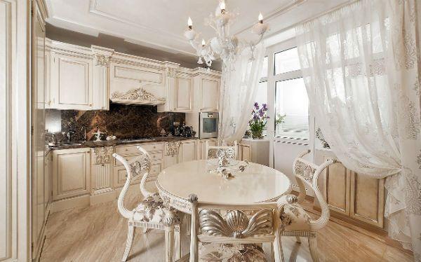 Оформление окна на кухне в классическом стиле вариант 4 фото