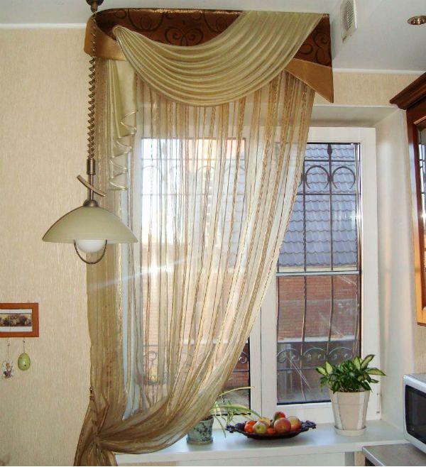 Оформление окна на кухне в восточном стиле вариант 1 фото