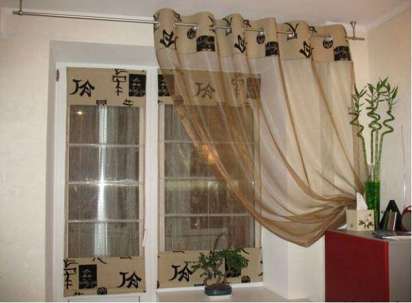 Оформление окна на кухне в восточном стиле вариант 2 фото