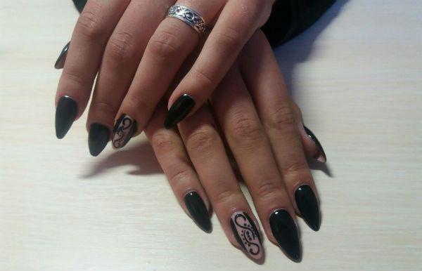 Черные ногти миндалевидной формы фото
