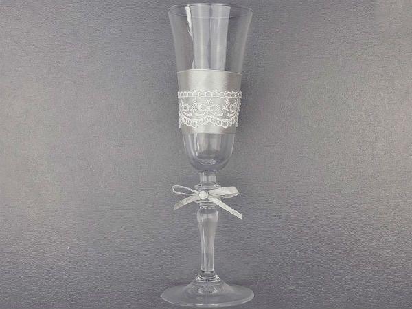Декор свадебных бокалов кружевом и лентами шаг 7 фото
