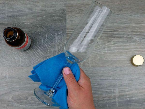 Декор свадебных бокалов лепестками шаг 1 фото