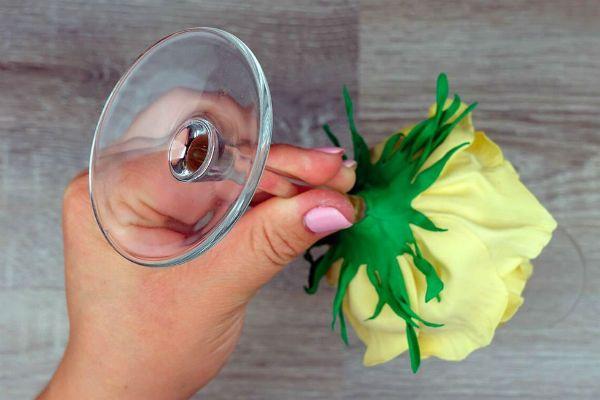 Декор свадебных бокалов лепестками шаг 42 фото