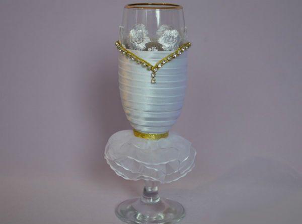 Декор свадебных бокалов тканью шаг 12 фото