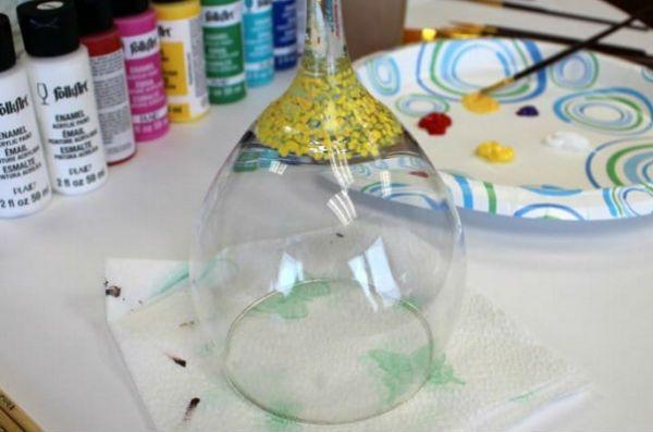 Как украсить бокалы акриловой краской шаг 2 фото
