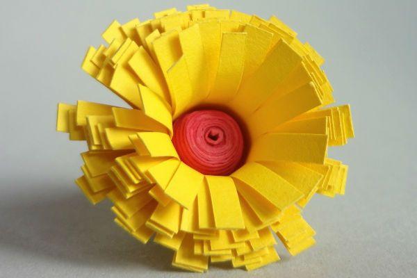 Объемная маргаритка из бумаги фото