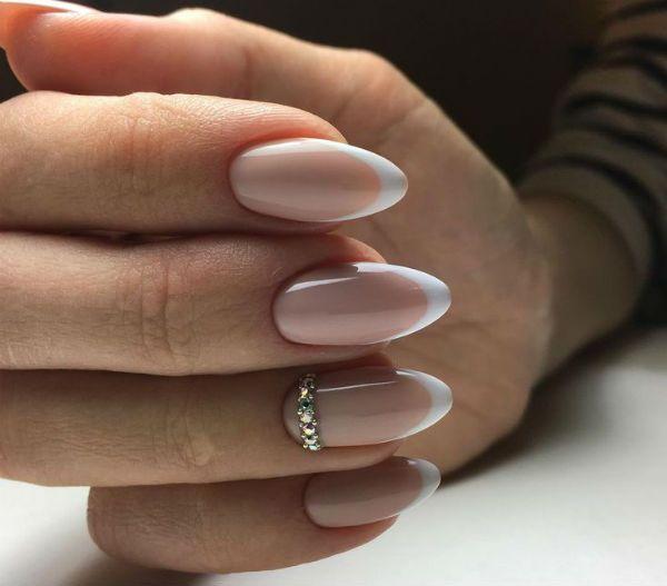 Миндалевидная форма ногтей свадебный маникюр фото