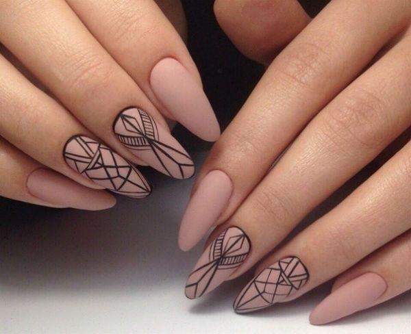 Ногти миндалевидной формы с орнаментом фото