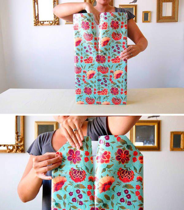 Упаковка подарка в бумагу шаг 6 фото