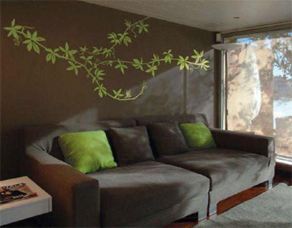 Зеленый трафарет на стене фото
