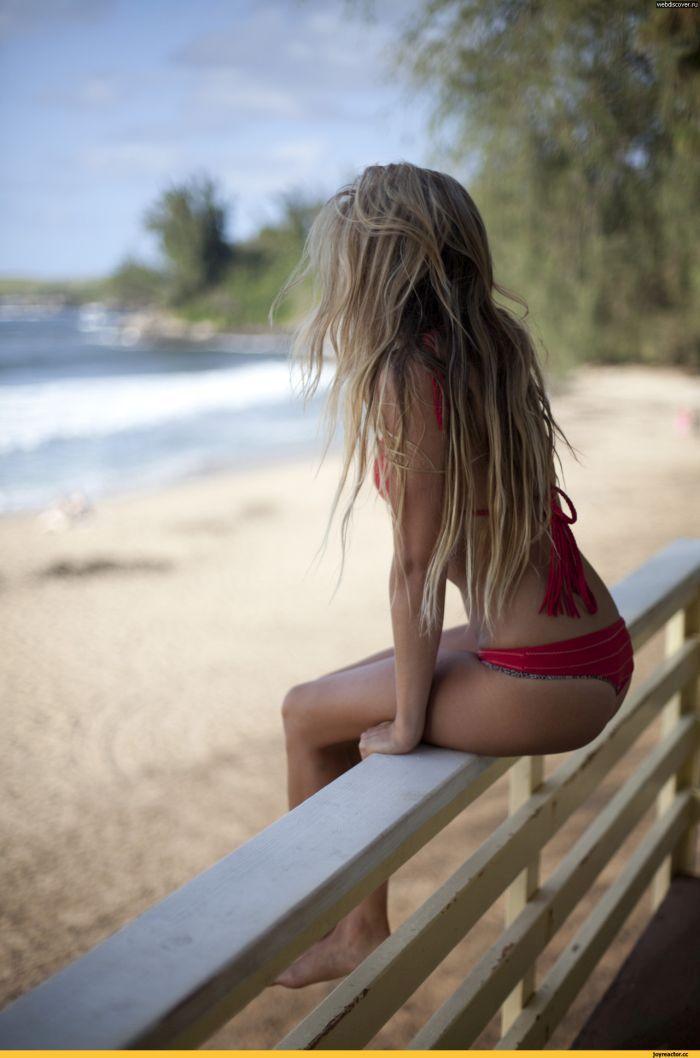 фото девушки со спины блондинки длинные волосы