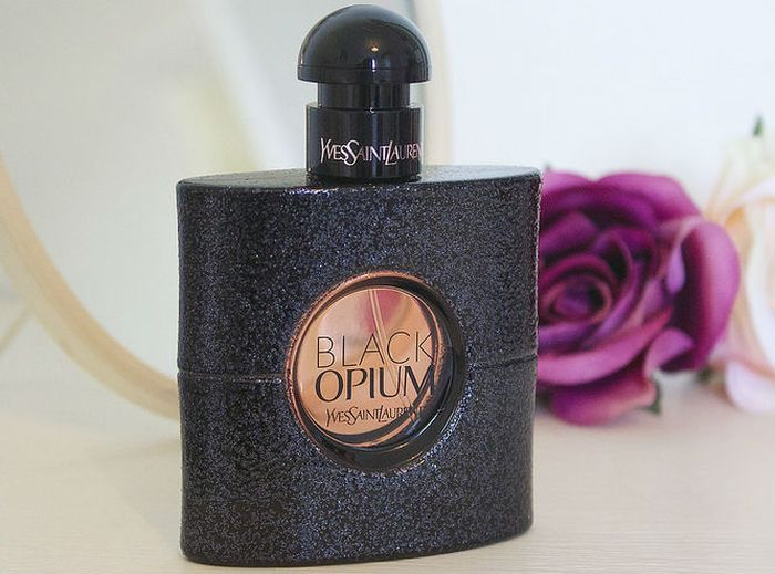 Black Opium от Yves Saint Laurent фото