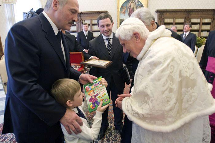 Николай Лукашенко фото