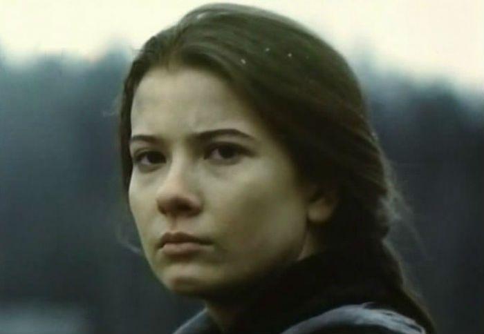 Первая роль Юлии Высоцкой («Пойти и не вернуться»)