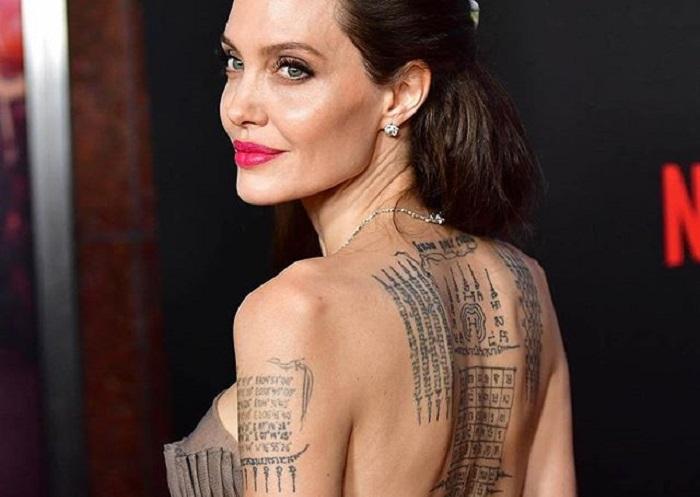 тату Анджелины Джоли фото