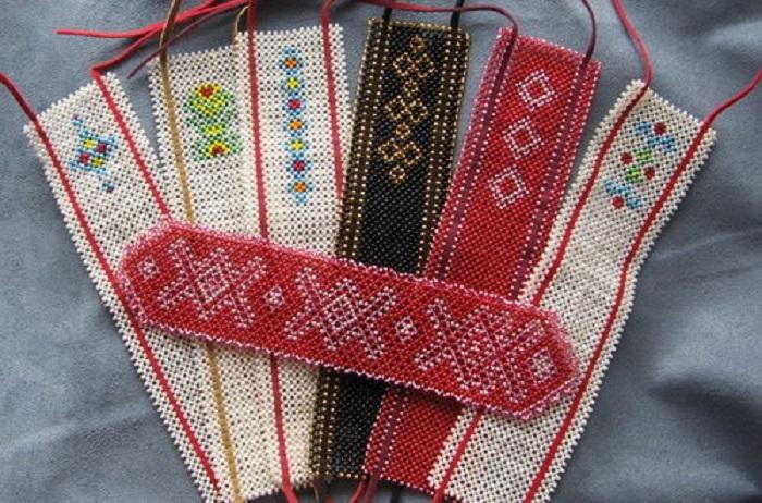 Закладки из бисера фото