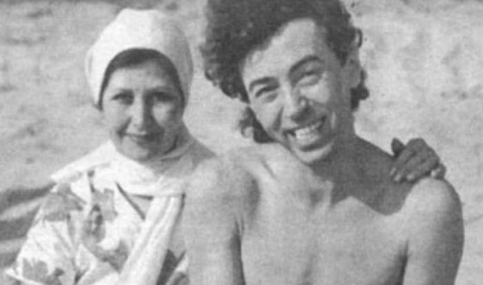 Леонтьев со старшей сестрой Майей фото