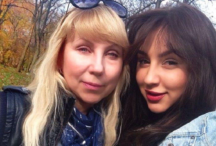 Анна Дзюба и сестра фото