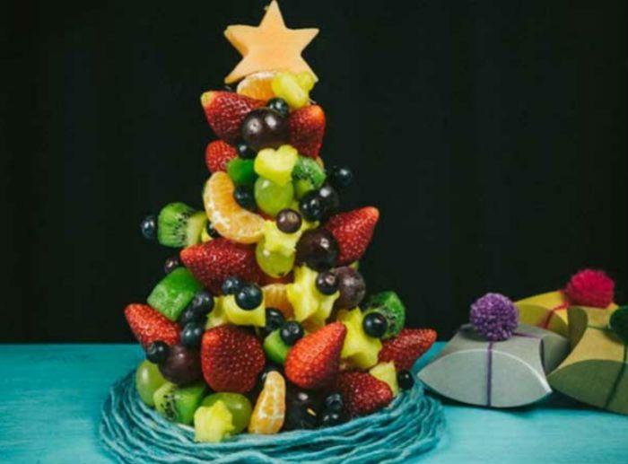 Елка из фруктов фото