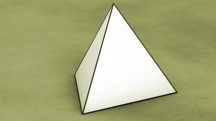 Объемный тетраэдр