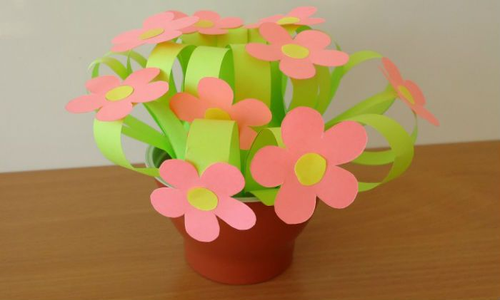 Цветы из цветной бумаги фото