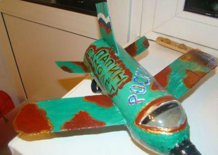 Самолет поделка раскрашенный фот