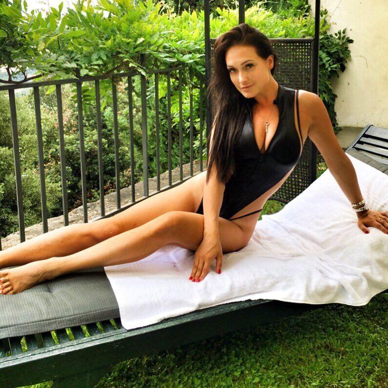 Елена Крайт в купальнике фото
