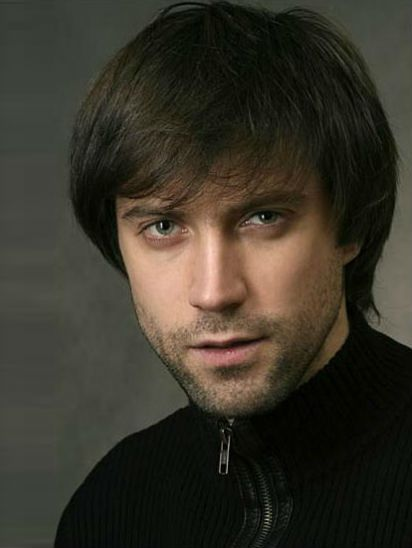 Актер Виталий Емашов