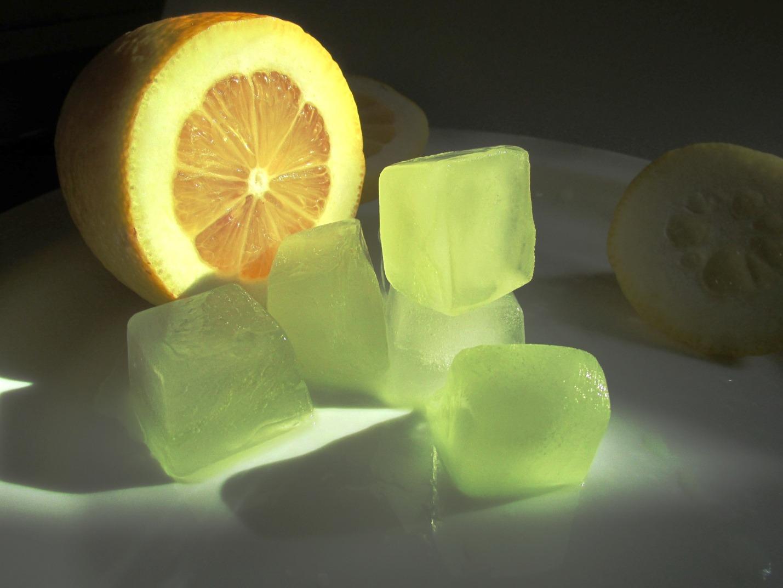 Лед с соком цитрусовых
