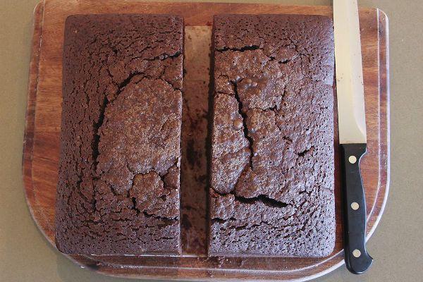 Разрезаем бисквиты фото