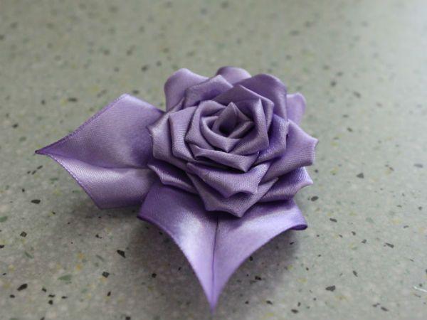 Готовая роза в технике канзаши фото