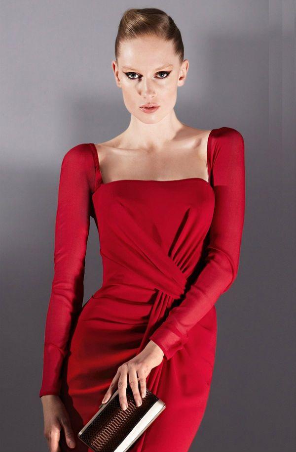 Красное платье для русоволосых девушек фото