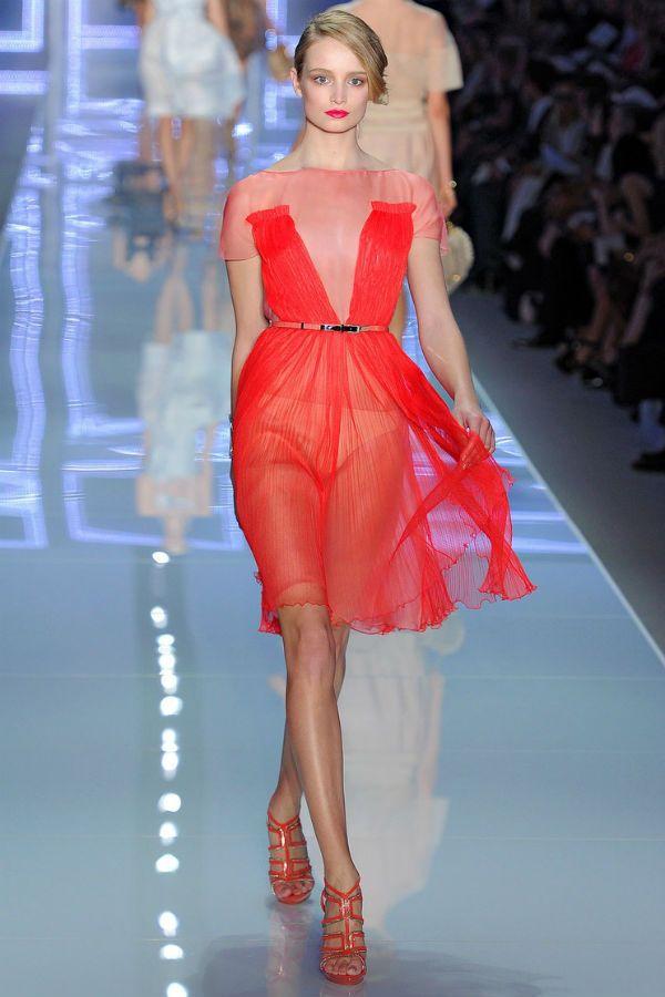 Красное шифоновое платье фото